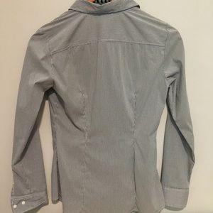 H&M Tops - H&M Gray pinstripe button up shirt